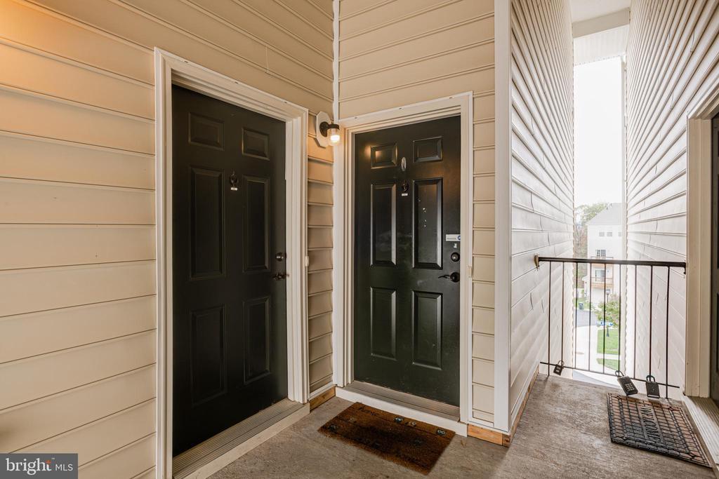 Front door - 24677 LYNETTE SPRINGS TER #302, ALDIE
