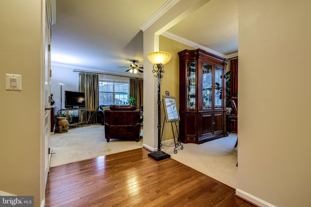 Dining Room into Family Room and Rear of Home - 5408 BANTRY CT, WOODBRIDGE
