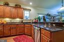 Kitchen with breakfast bar - 5408 BANTRY CT, WOODBRIDGE