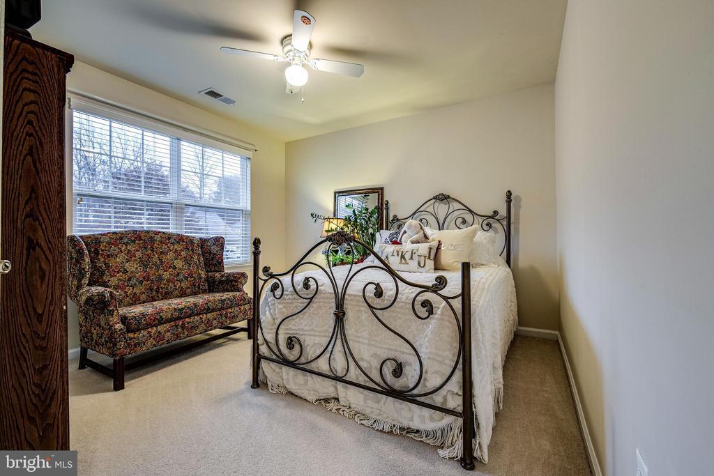 2nd Bedroom - 5408 BANTRY CT, WOODBRIDGE