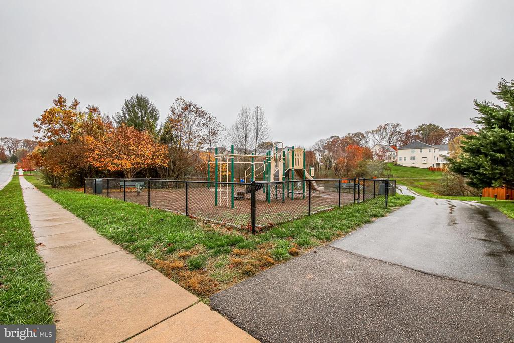 Tot Lot/Playground right down the street - 5408 BANTRY CT, WOODBRIDGE