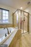 Separate shower - 5408 BANTRY CT, WOODBRIDGE