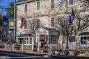 Let friends stay at the nearby Red Fox Inn - 501 W WASHINGTON ST, MIDDLEBURG
