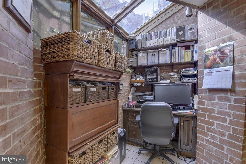 Office nook - 2034 O ST NW, WASHINGTON