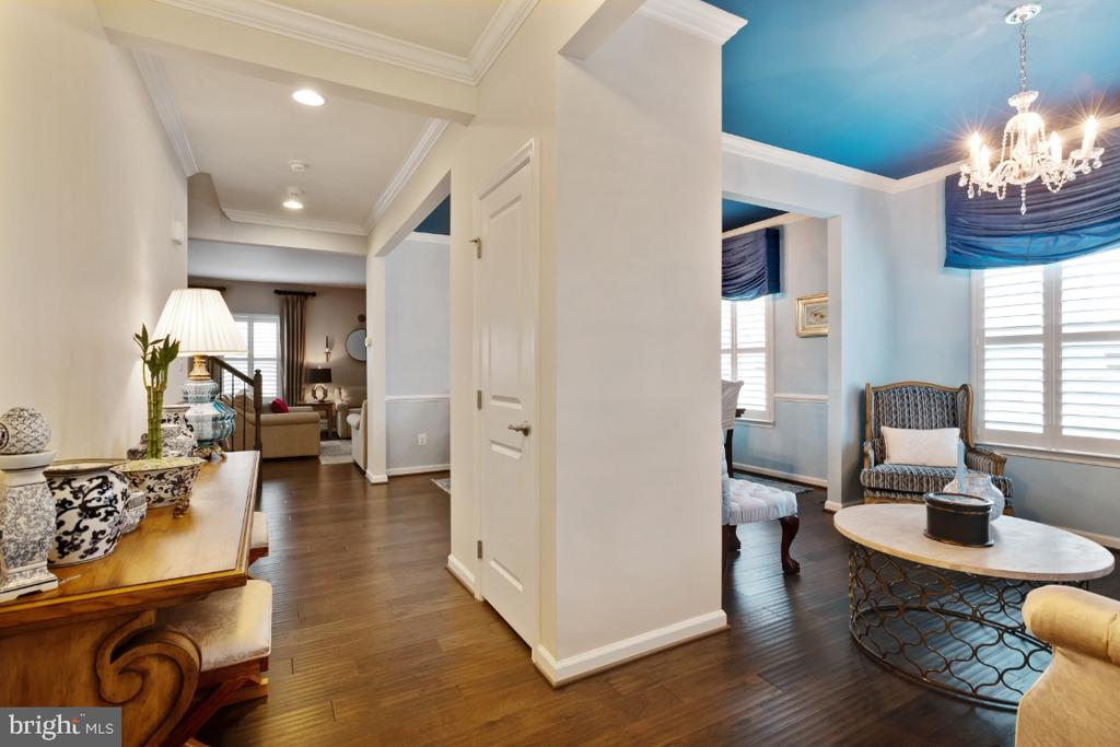 Open concept with formal living room - 12377 MAYS QUARTER RD, WOODBRIDGE
