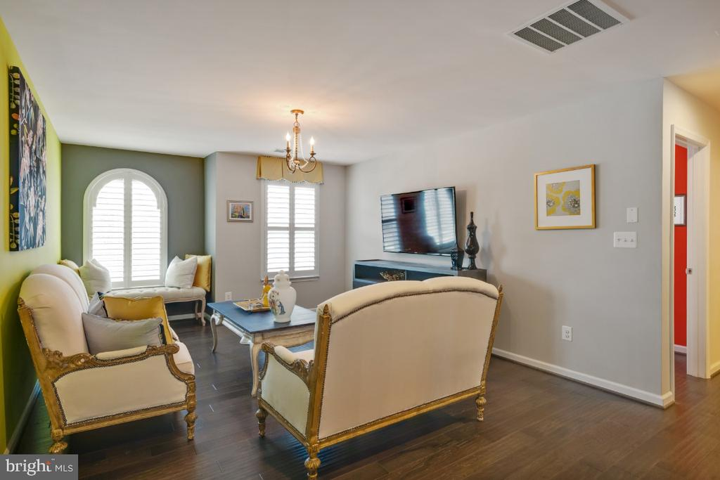 Loft can be converted to a 4th bedroom - 12377 MAYS QUARTER RD, WOODBRIDGE