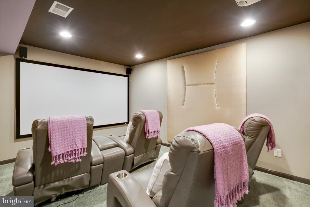 Custom Movie Room - 12377 MAYS QUARTER RD, WOODBRIDGE