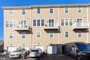 rear load garage and driveway parking - 43976 VAIRA TER, CHANTILLY