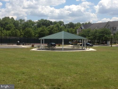 Parks*Picnic areas*Tennis*B-ball*volleyball - 43669 SCARLET SQ, CHANTILLY