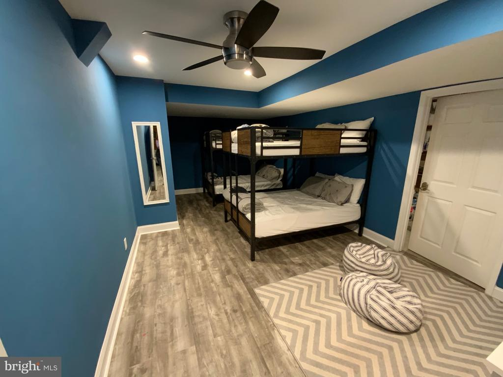 Bunk Beds [- Lower Level Bedrom - 6406 CARTER LN, MINERAL