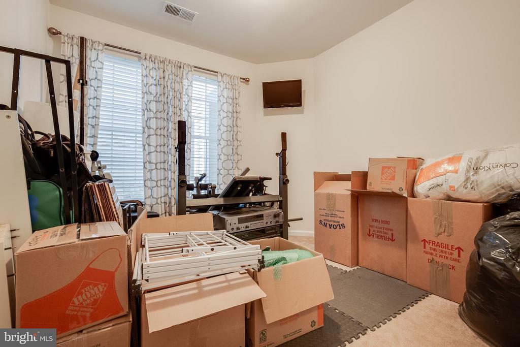 Second Bedroom - 44021 VAIRA TER, CHANTILLY