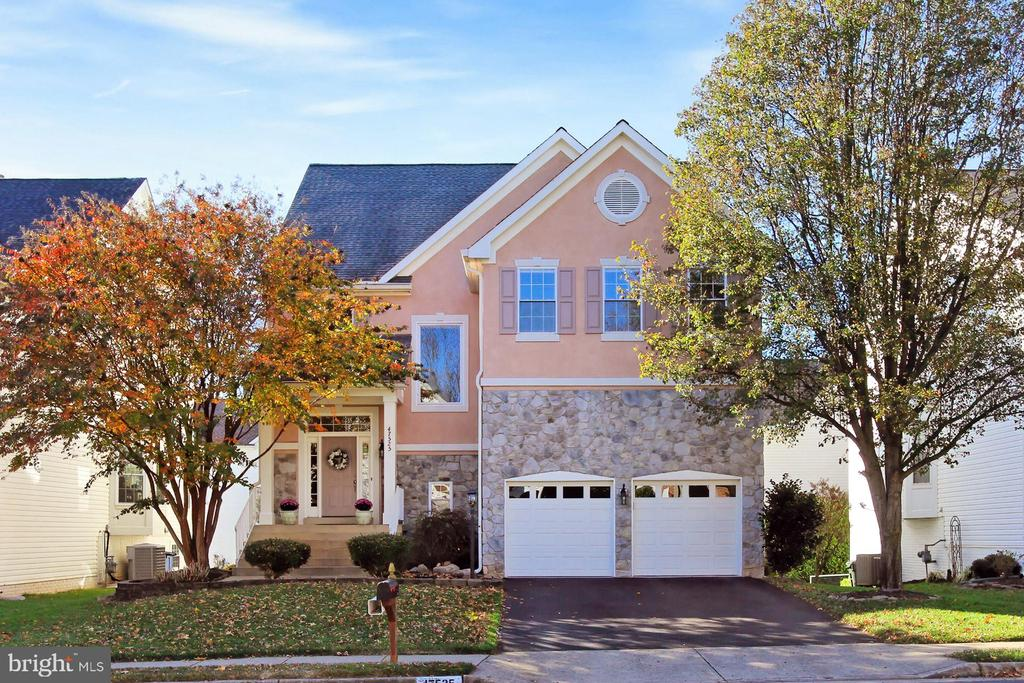 Beautiful 5 BR/3.5 BA home in popular Cascades! - 47525 SAULTY DR, STERLING