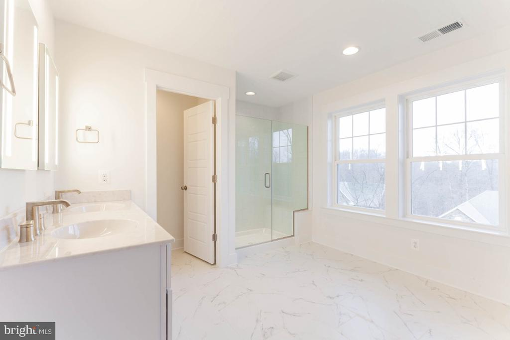 Large, luxurious primary bath - pick your finishes - 6746 ACCIPITER (LOT 192) DR, NEW MARKET
