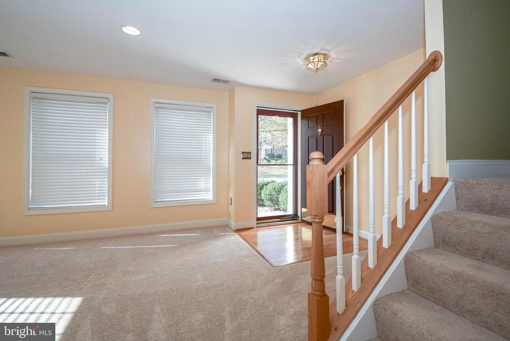 Finished lower level - 25811 MEWS TER, CHANTILLY
