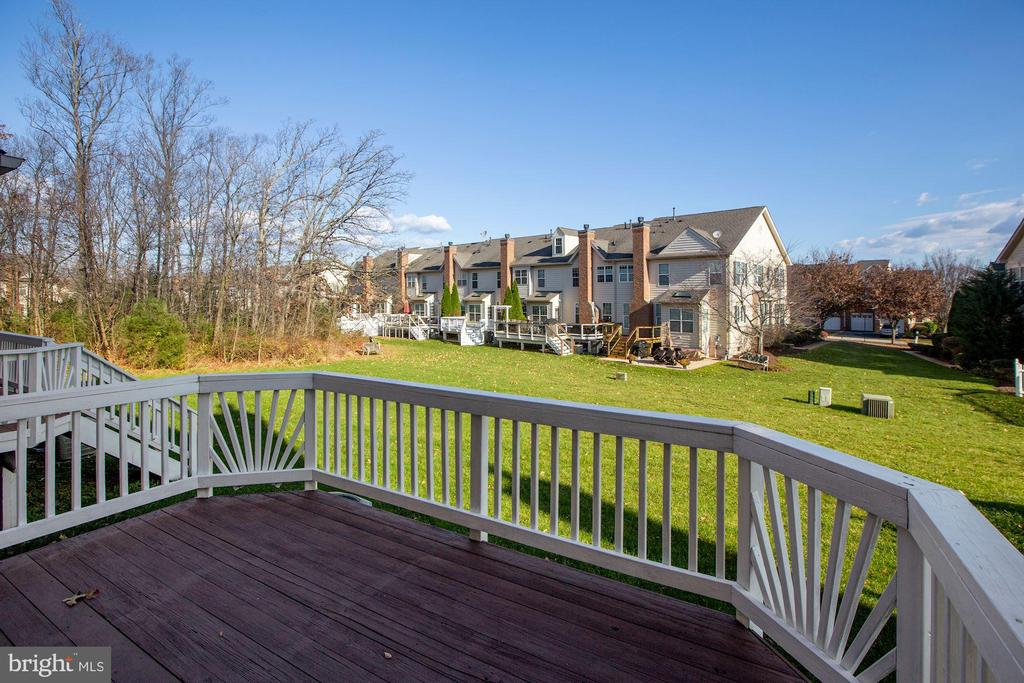 Spacious Feel off the Deck - 43224 SOMERSET HILLS TER, ASHBURN