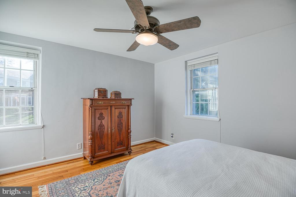 Bedroom 1 - 2923 S DINWIDDIE ST, ARLINGTON