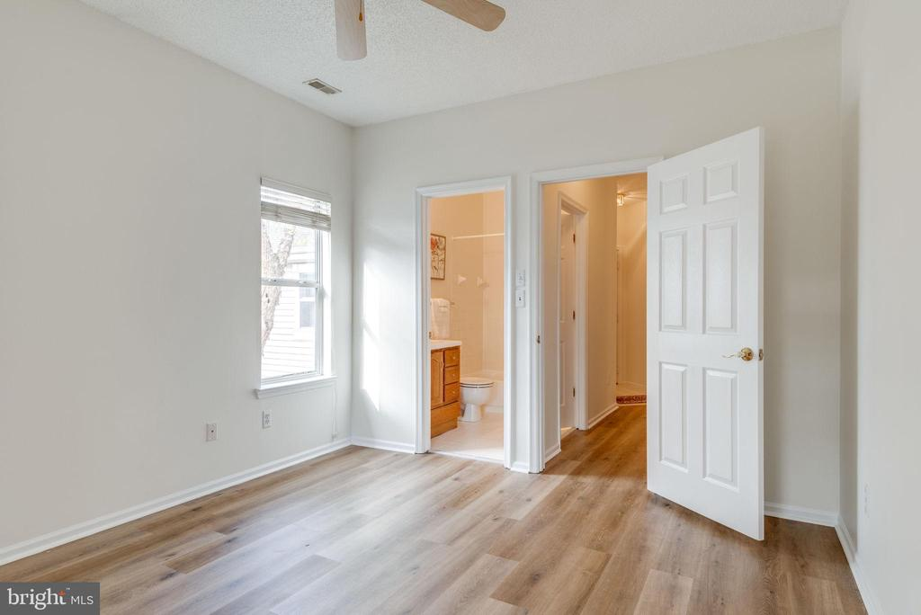 Second bedroom is attached to a full bath - 14316 CLIMBING ROSE WAY #203, CENTREVILLE