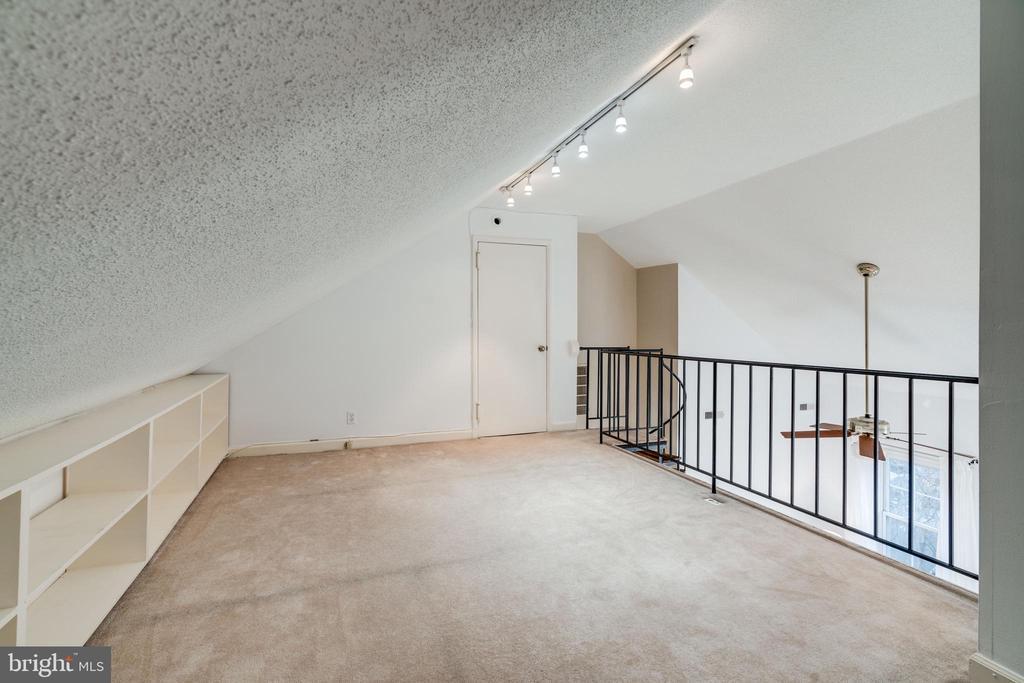 Loft / flex space - 2968 S COLUMBUS ST #C2, ARLINGTON