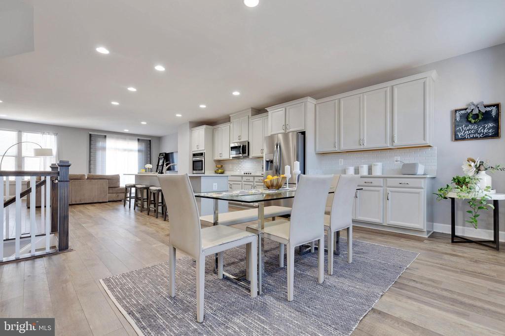 Dining Room to Kitchen - 10517 RATCLIFFE TRL, MANASSAS