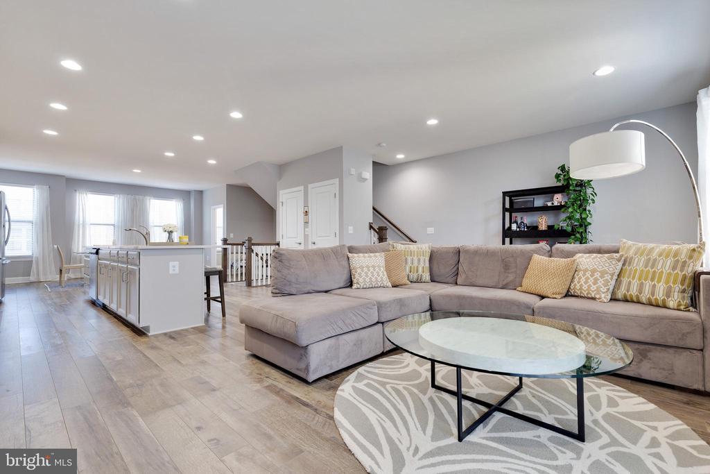 Living Room to Kitchen - 10517 RATCLIFFE TRL, MANASSAS
