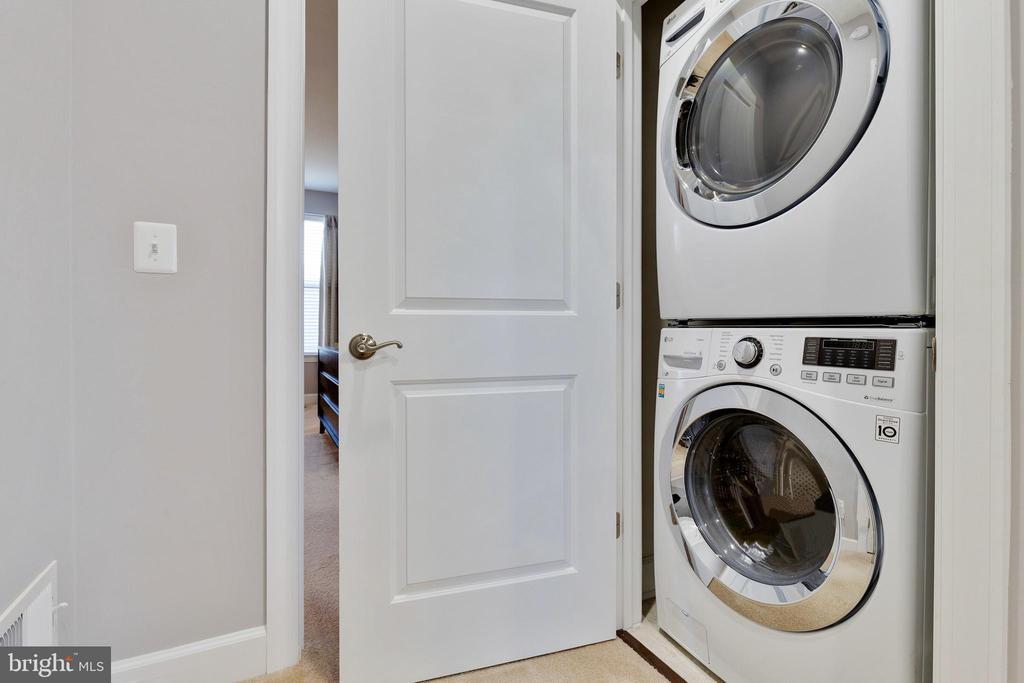 Upper Level Laundry - 10517 RATCLIFFE TRL, MANASSAS