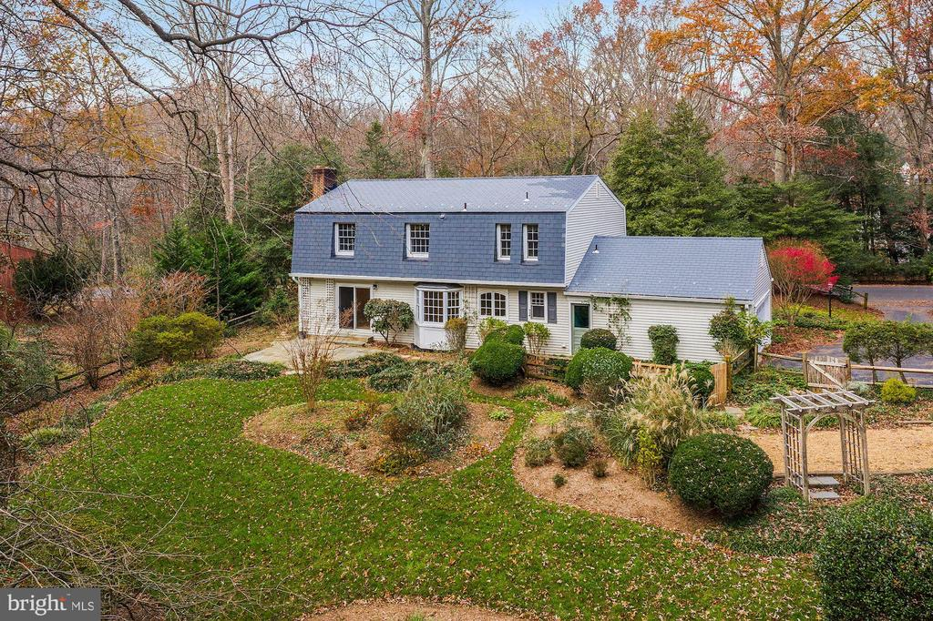 Former Reston garden tour home. - 2605 SOAPSTONE DR, RESTON