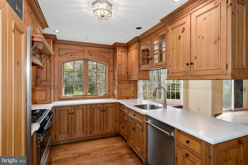 Remodeled Kitchen - 2605 SOAPSTONE DR, RESTON