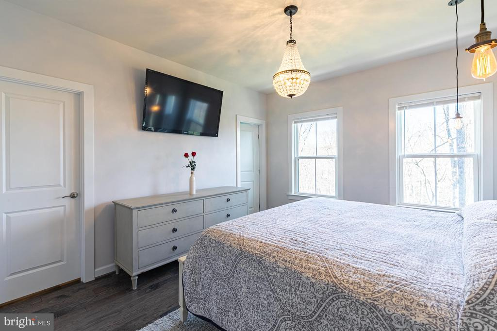 Primary bedroom faces the woods - Romantic - 3167 VIRGINIA BLUEBELL CT, FAIRFAX