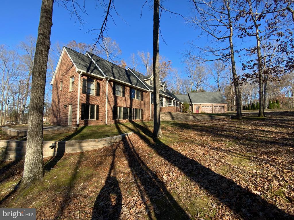Beautiful Brick Home - 6406 CARTER LN, MINERAL