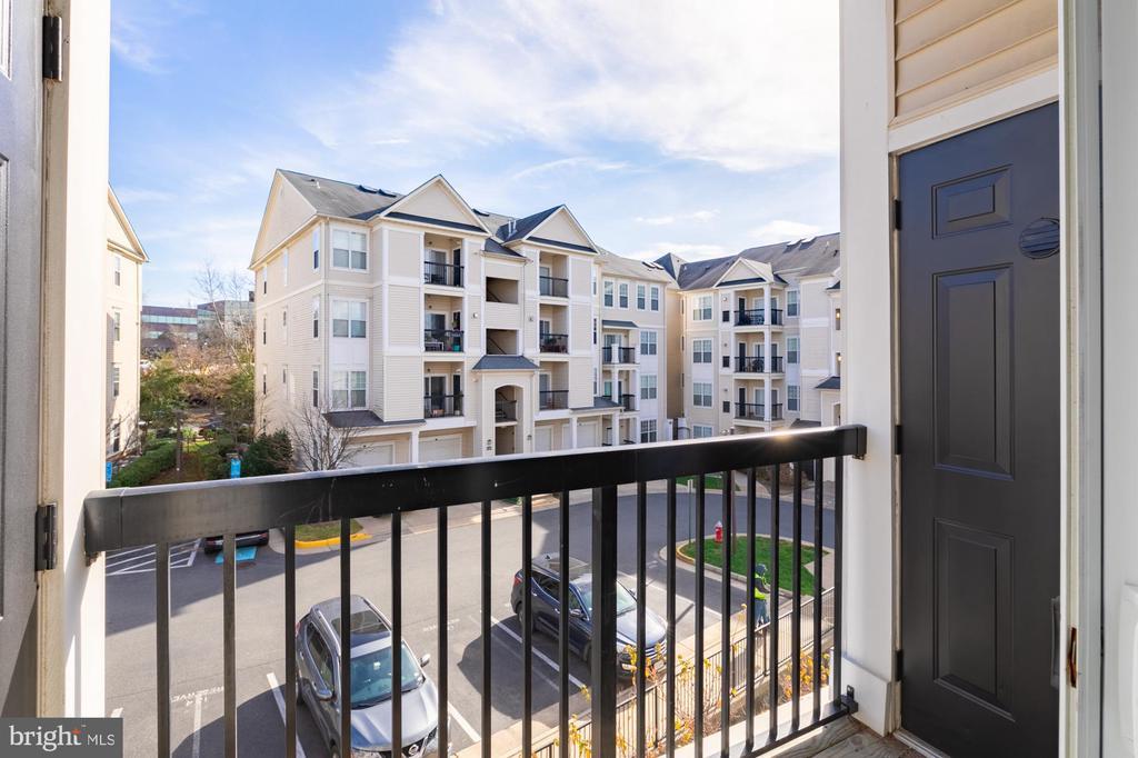 New balcony screen, door handle and paint - 11326 ARISTOTLE DR #4-303, FAIRFAX