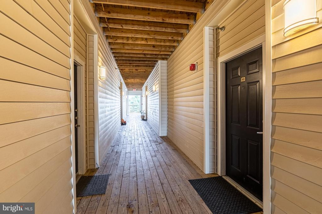 Hallway to  unit - Stairs and elevator in building - 11326 ARISTOTLE DR #4-303, FAIRFAX