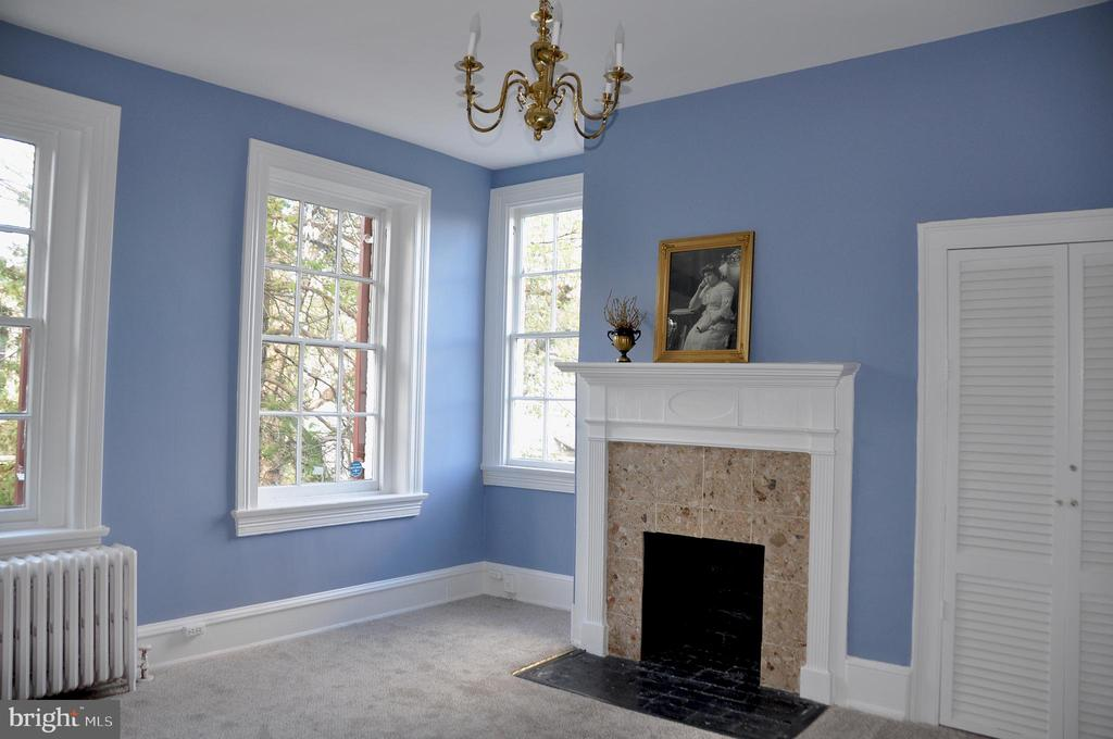 Bedroom with lovely fireplace - 4343 39TH ST NW, WASHINGTON