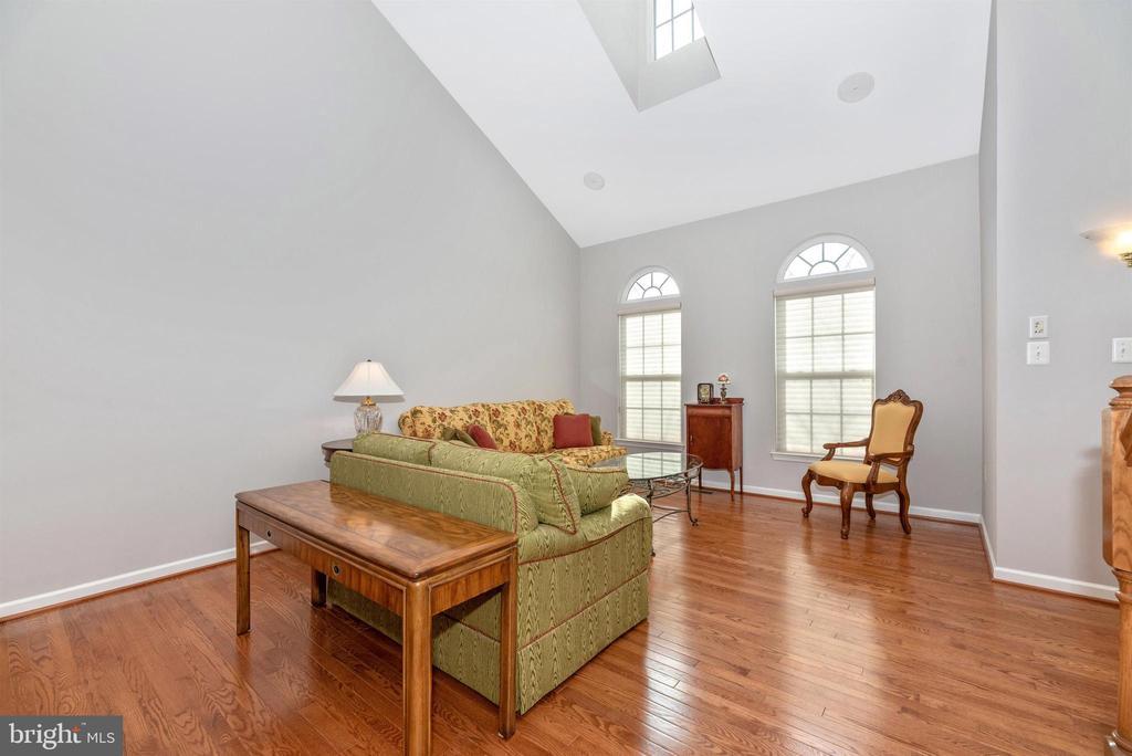 Living Room - 10574 EDWARDIAN LN #131, NEW MARKET