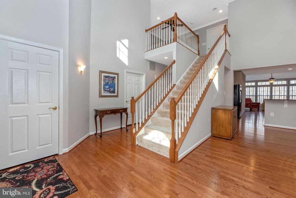 Staircase - 10574 EDWARDIAN LN #131, NEW MARKET