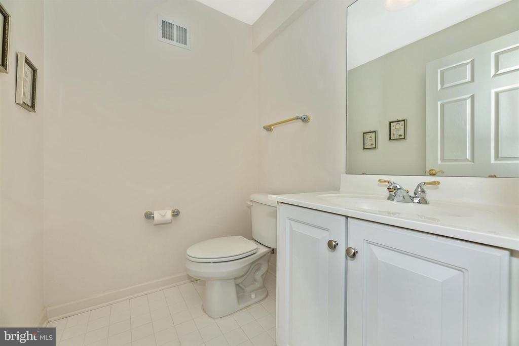 Lower Level Half Bathroom - 10574 EDWARDIAN LN #131, NEW MARKET