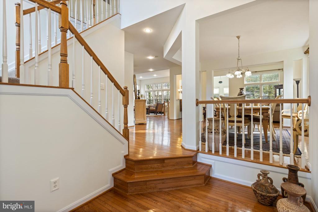 open foyer - 20660 SHOAL PL, STERLING