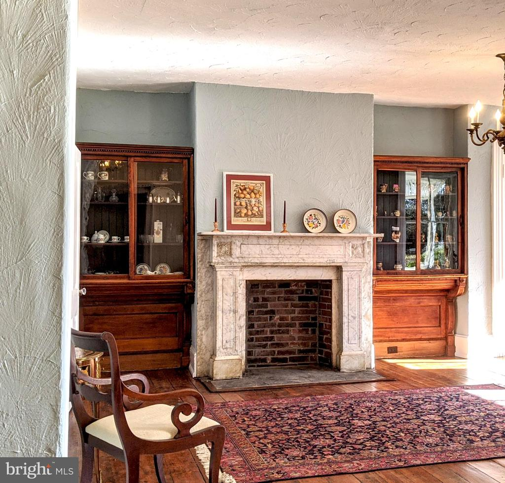 Built-in  bookcases and marble mantle - 4343 39TH ST NW, WASHINGTON
