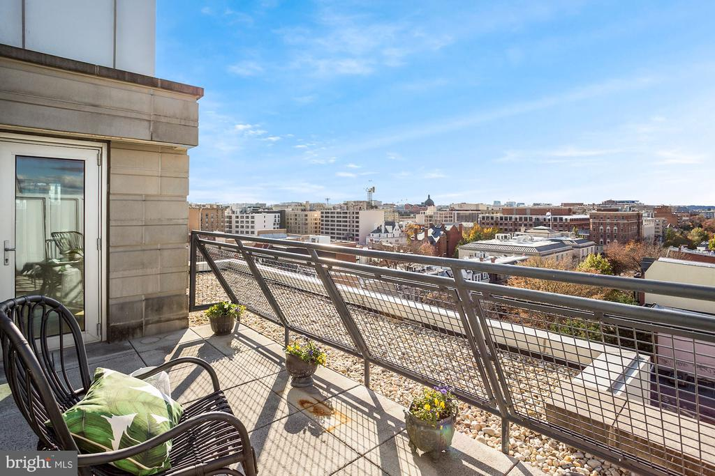 Private patio off owner's suite - 1515 15TH ST NW #708, WASHINGTON