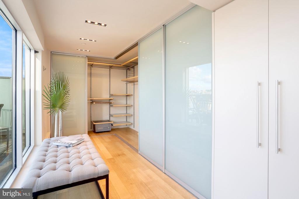 Dream dressing room - 1515 15TH ST NW #708, WASHINGTON
