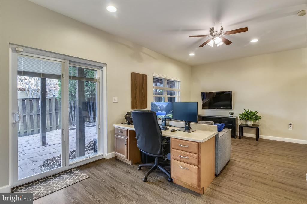 LL rec room/office - 20872 DERRYDALE SQ, STERLING