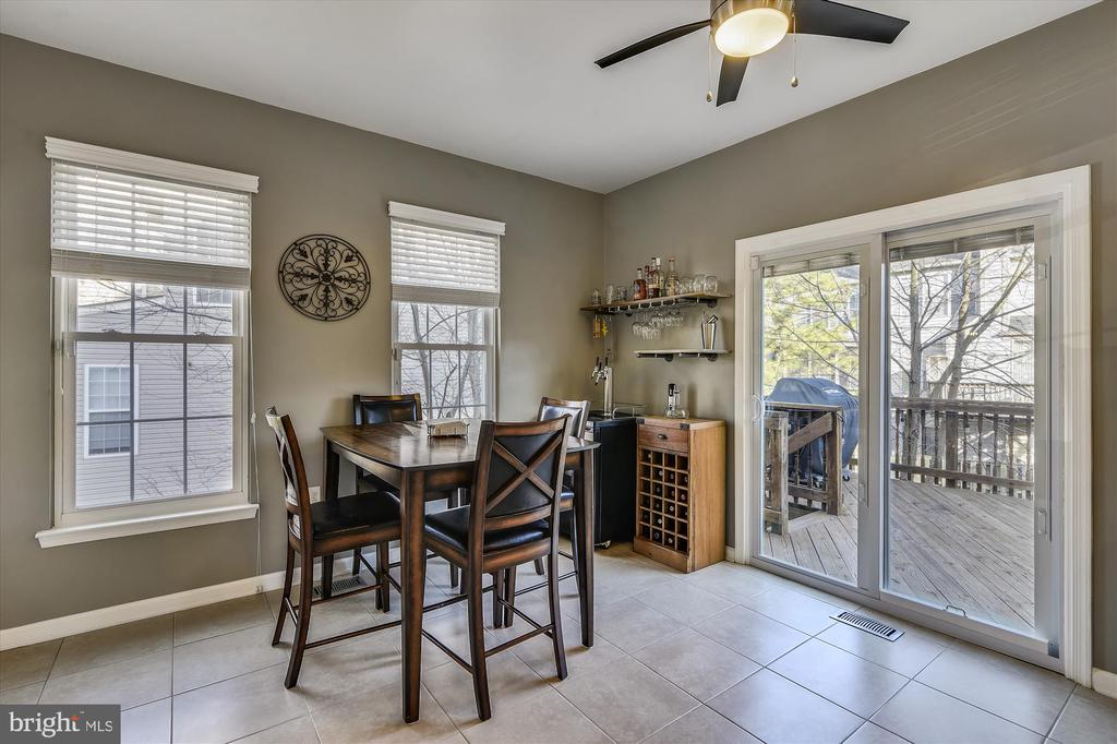 Kitchen sitting room - 20872 DERRYDALE SQ, STERLING