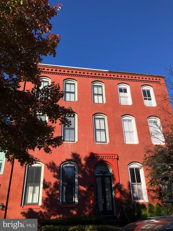 front of home - 330 A ST SE, WASHINGTON
