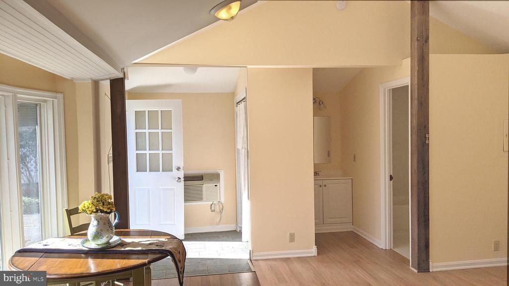 Full bath, kitchen - - 4343 39TH ST NW, WASHINGTON