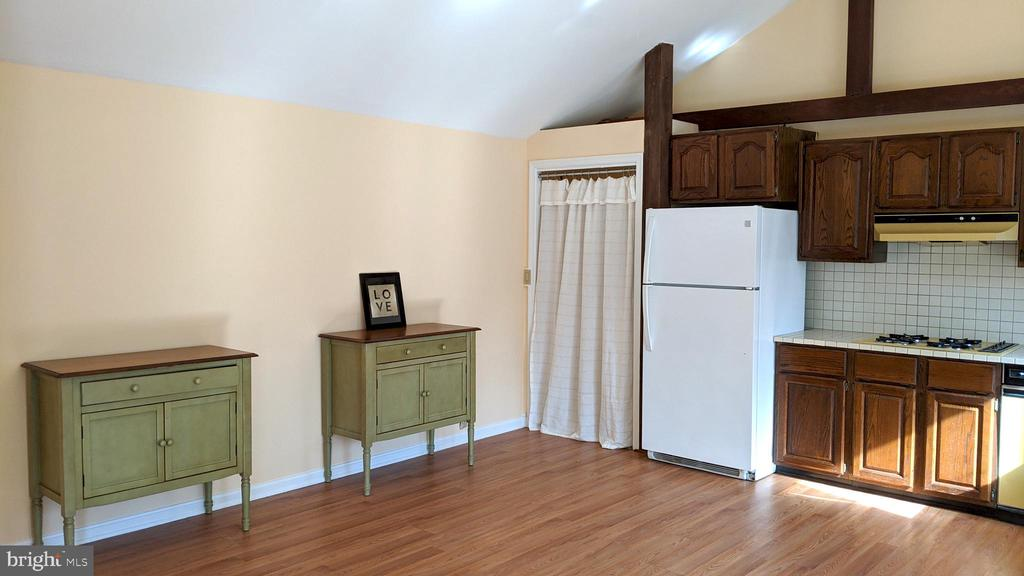 big enough to live in, have as studio or office - 4343 39TH ST NW, WASHINGTON