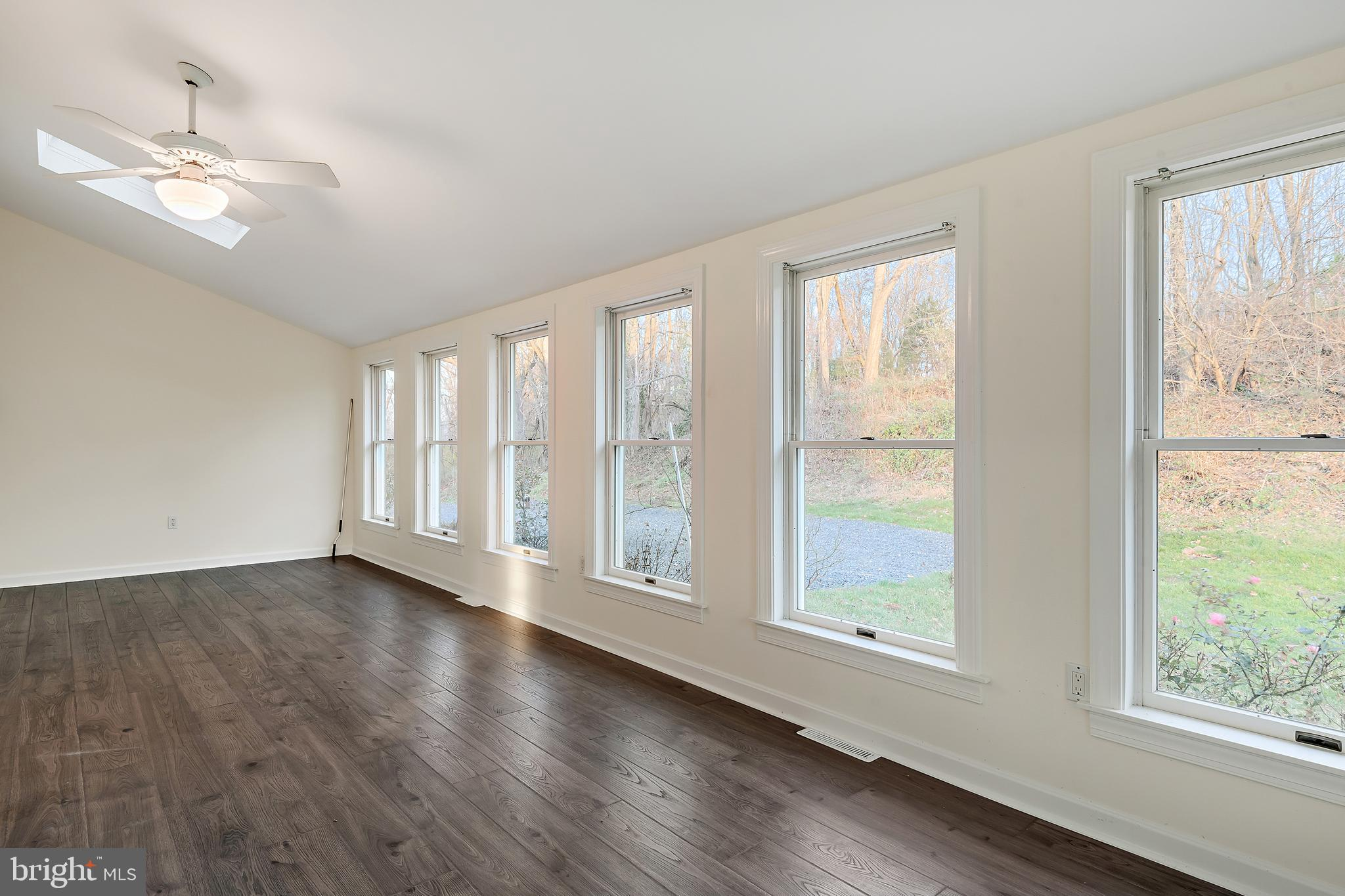 Large Sunroom Room located off the Kitchen