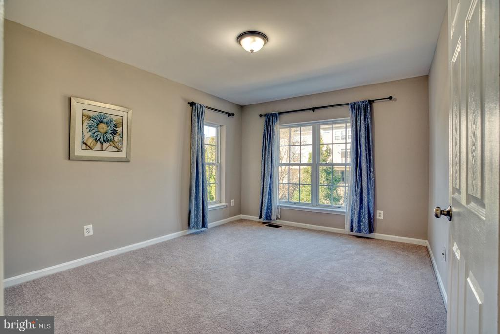 Bedroom #2 - 4557 WHITTEMORE PL #1411, FAIRFAX