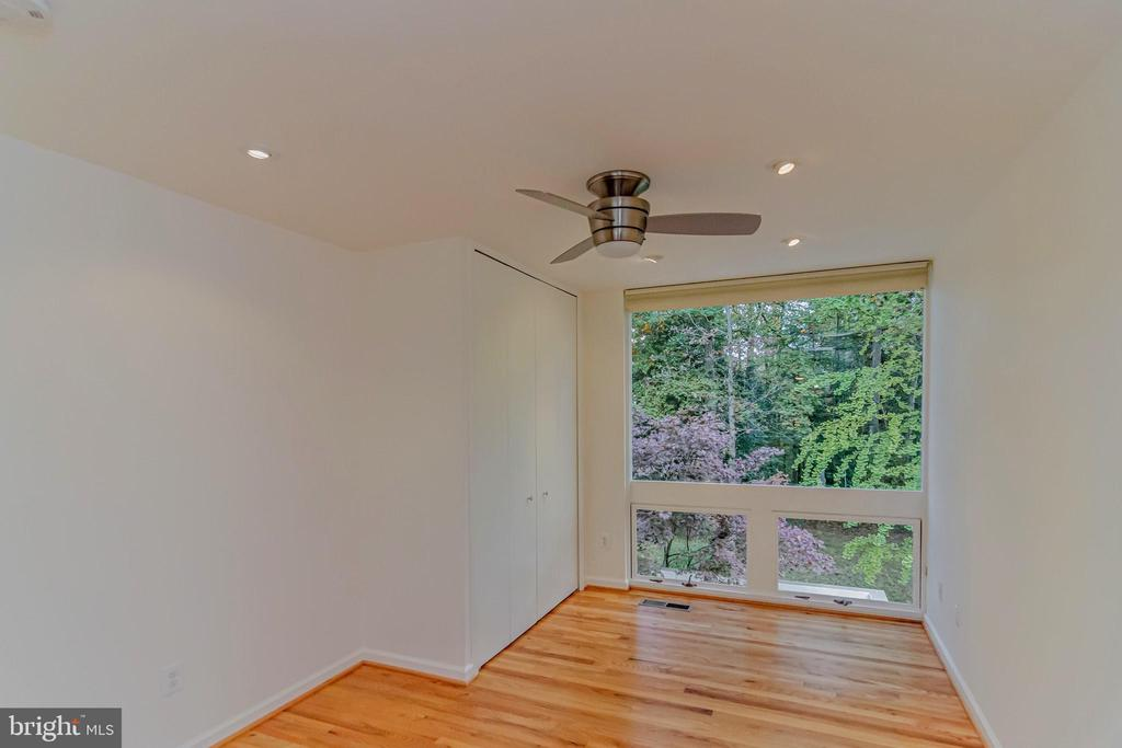 Bedroom 3 overlooks patio and out to woods - 11503 MAPLE RIDGE RD, RESTON