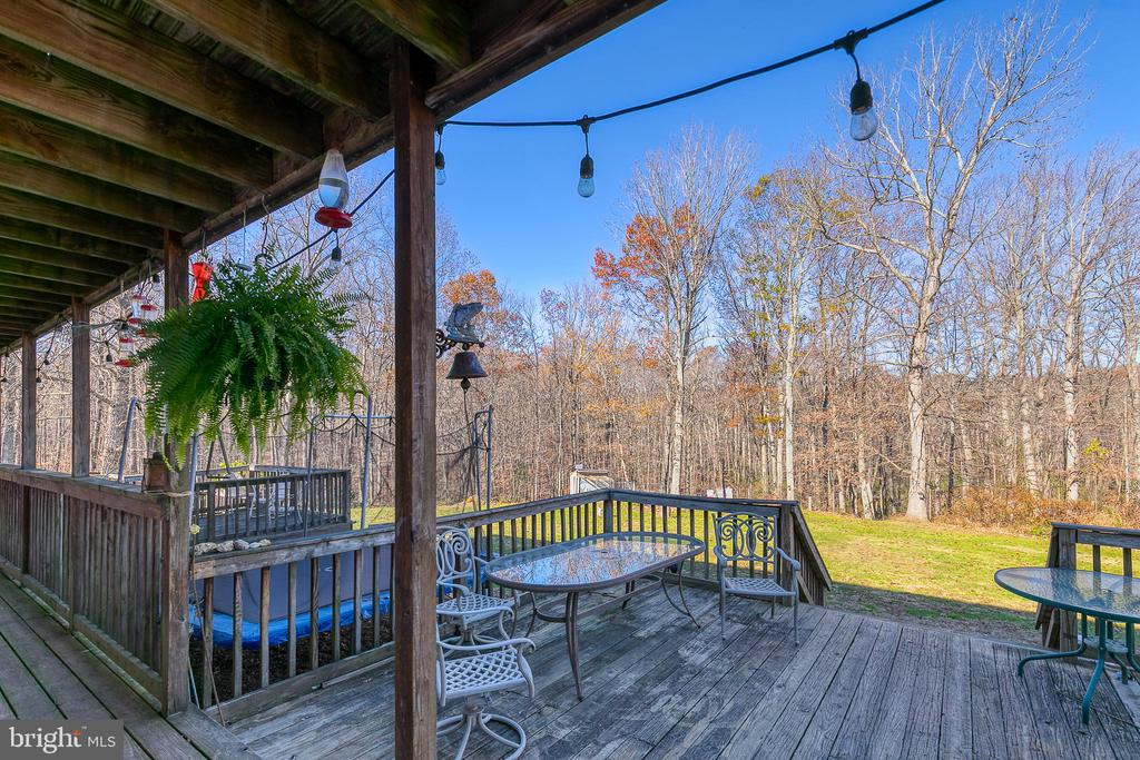 Outer lower deck with views - 28 CARDINAL DR, FREDERICKSBURG