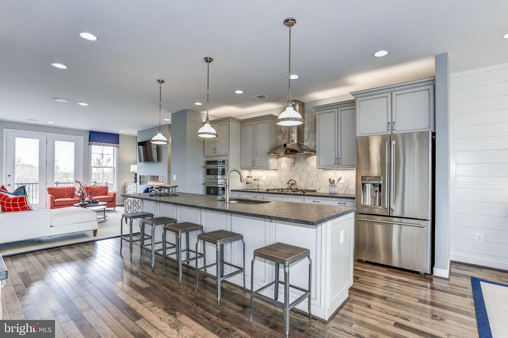- 25398 REED ORCHARD TER, CHANTILLY