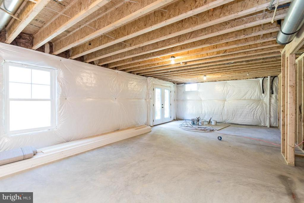 Unfinished full basement. - 6789 ACCIPITER DR, NEW MARKET